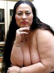 Big titted granny got her chubby well aged body naked