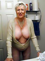 Bbw granny masturbates with a bottle